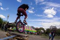 eucima2015-exterior-004-monociclo-pallets